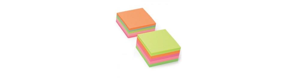 Кубы для заметок с клейким краем